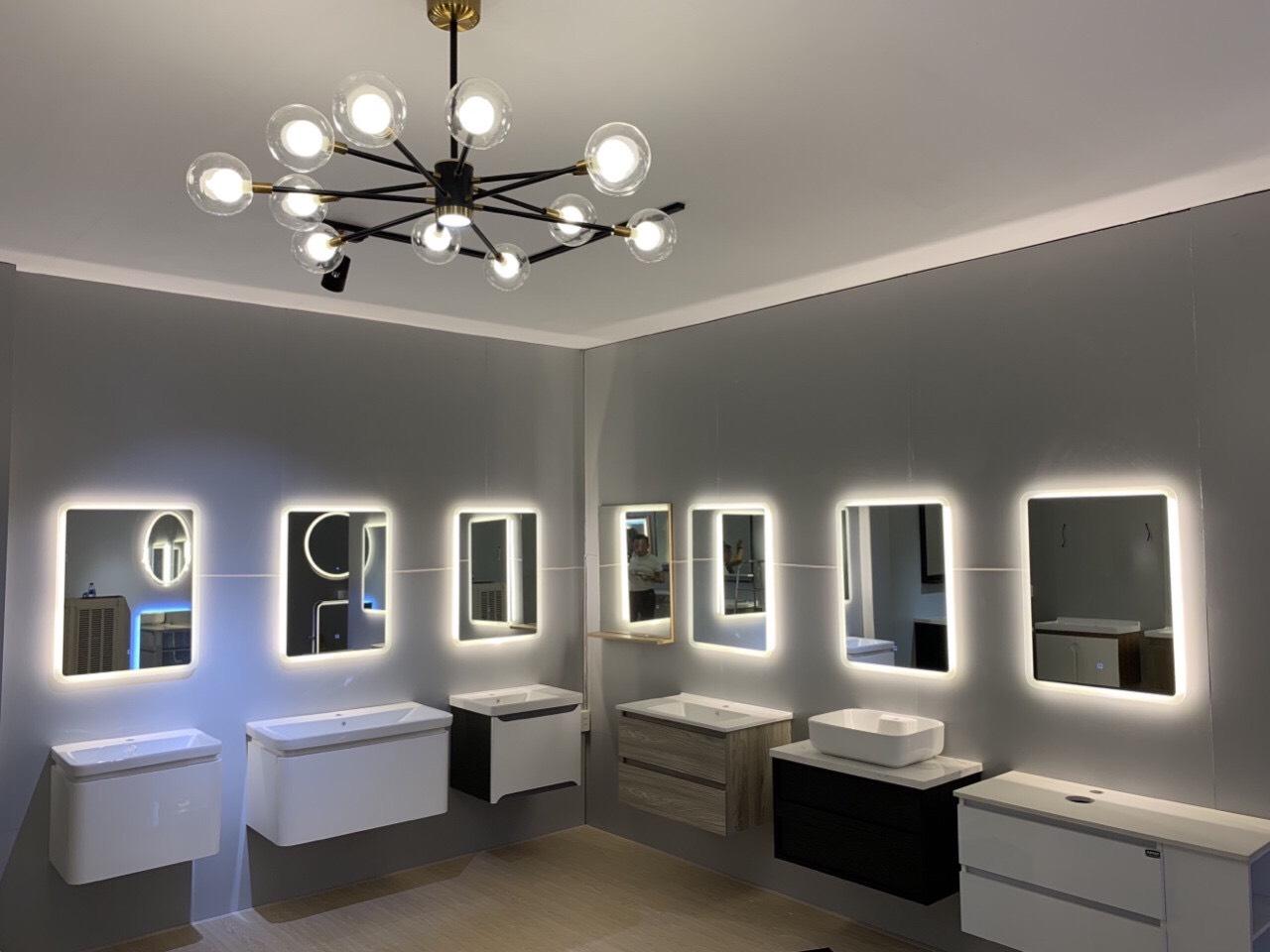 Hình ảnh trưng bày tủ lavabo Empolo